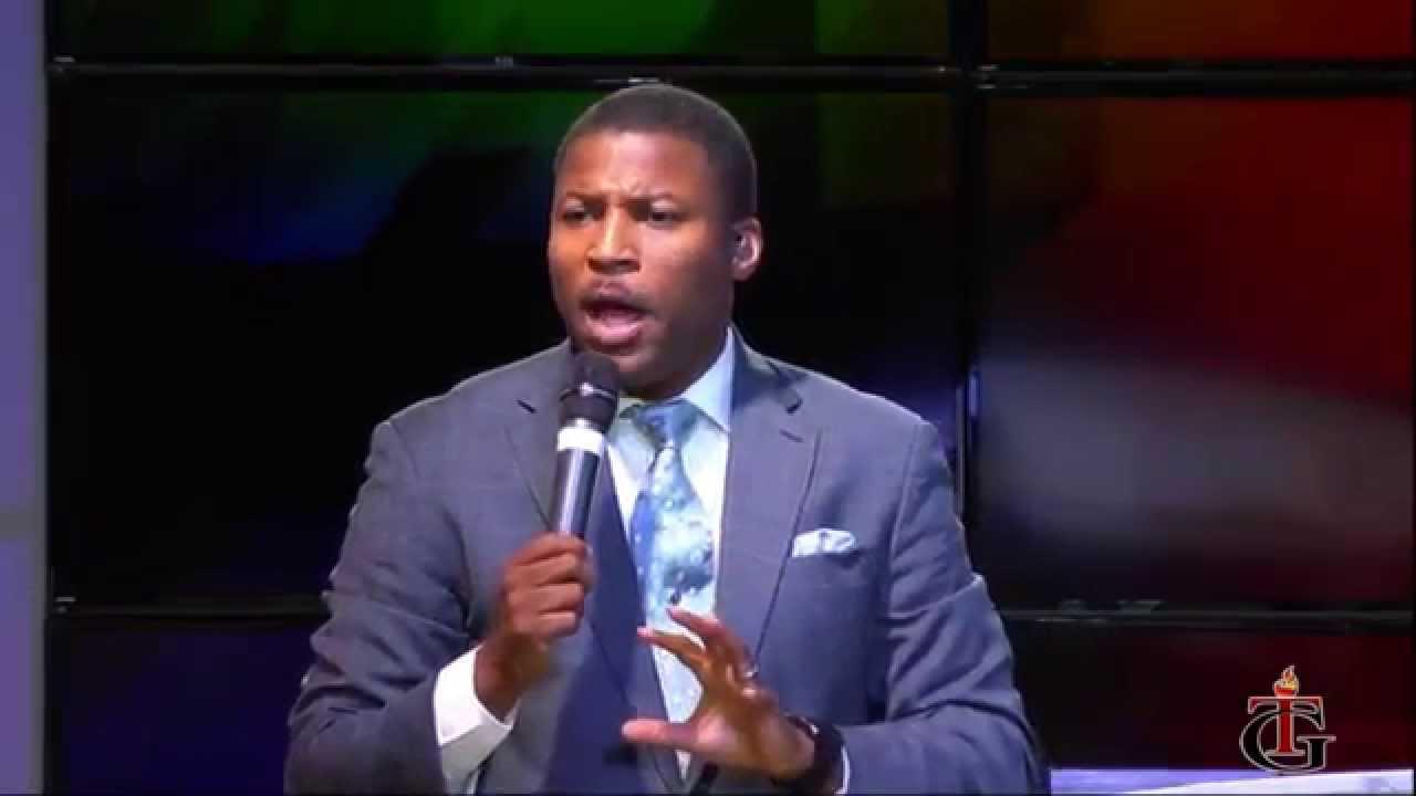 Gregory Toussaint, pasteur de Tabernacle de Gloire, Radio Shekinah